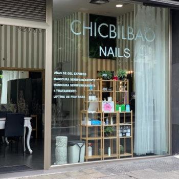 chic nails 1
